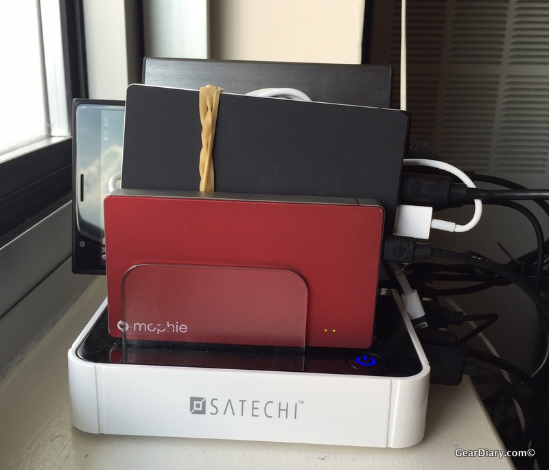 GearDiary Charge EVERYTHING at Once with Satechi's 7-Port Charging Dock!