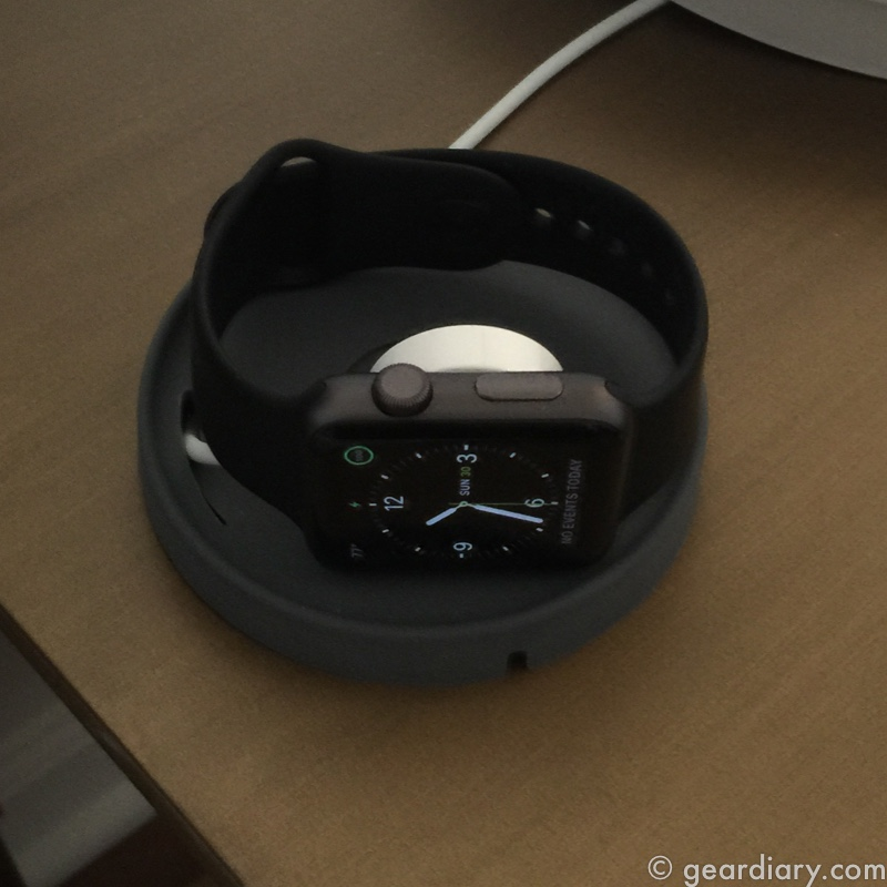 GearDiary Bluelounge Kosta Is a Charging Coaster for Your Apple Watch