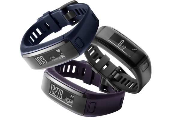 GearDiary Garmin Introduces the VivoSmart HR: Fitness Tracker with SmartWatch Aspirations