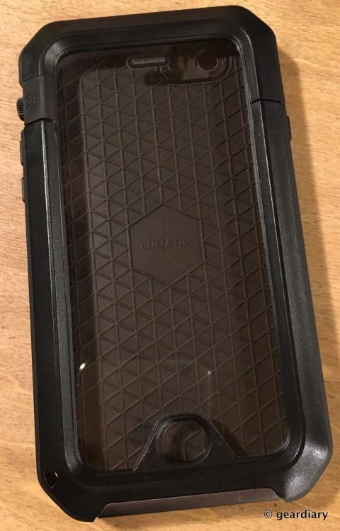 08-Gear Diary Reviews the LUNATICK TAKTIK 350 iPhone 6 Case-007