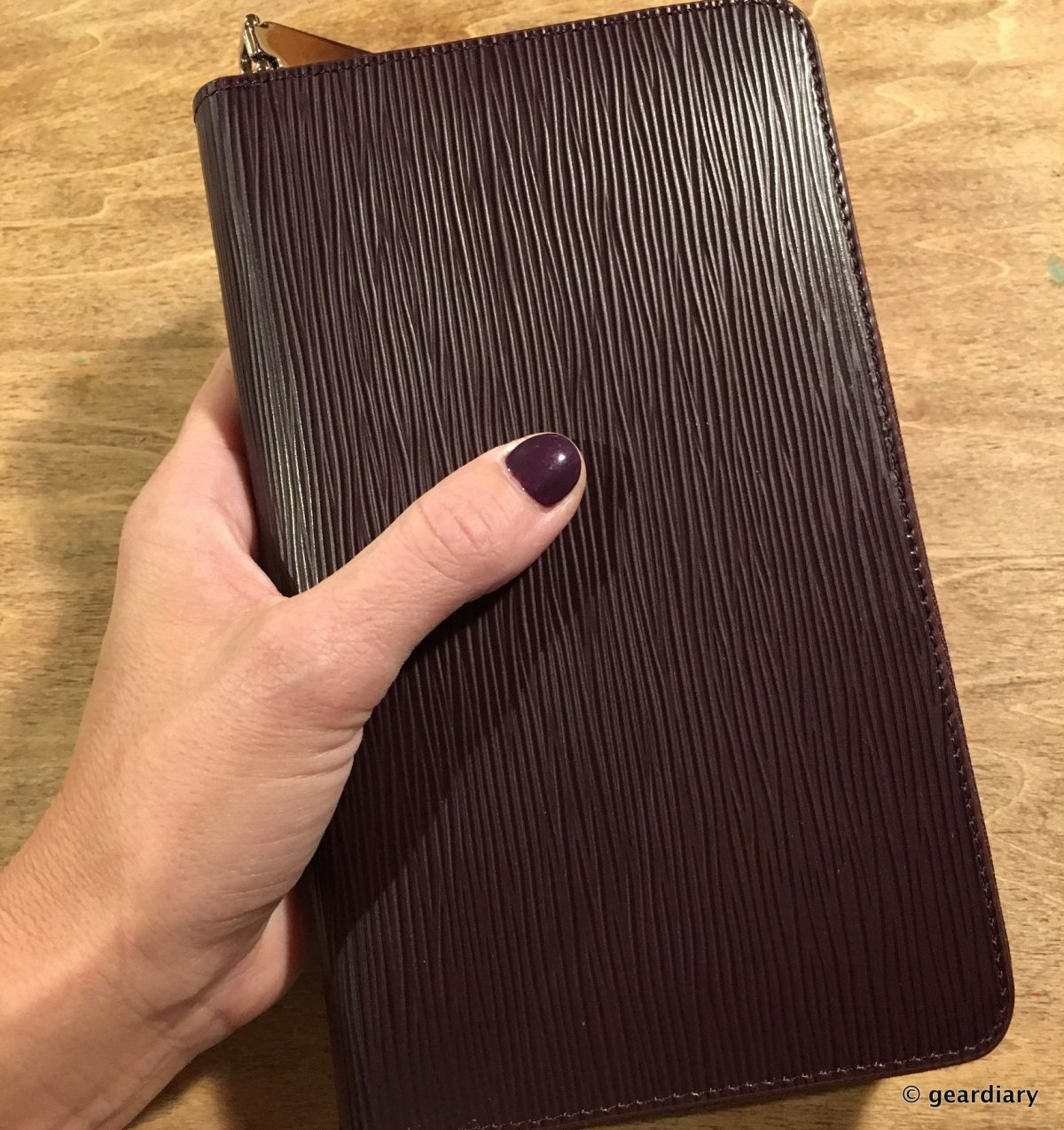 GearDiary Beyzacases Tule Leather Wallet: Carry Your Smartphone in One of the Classiest Wallets Yet