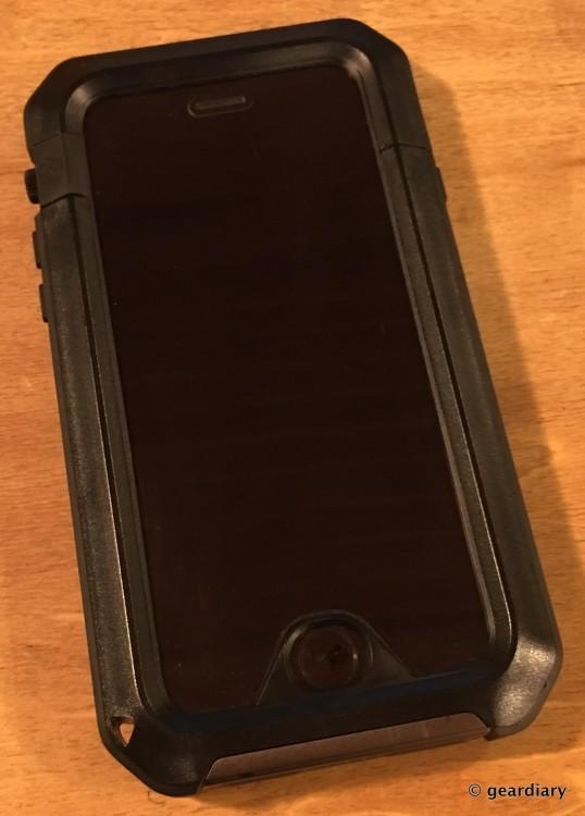 16-Gear Diary Reviews the LUNATICK TAKTIK 350 iPhone 6 Case-015