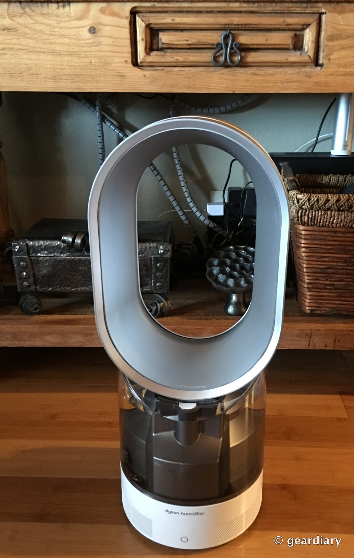 The Dyson AM10 Humidifier: Puts Humidity Where It Belongs in the Air  #78421E