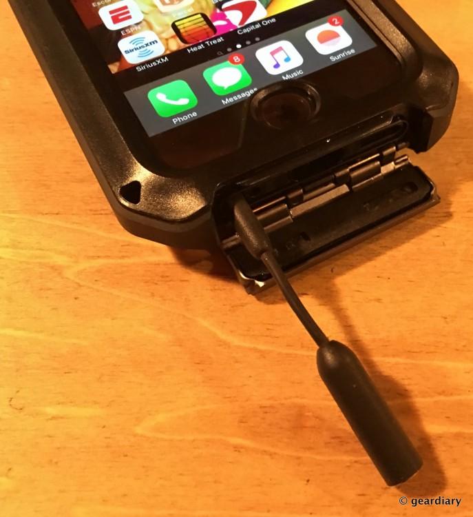 22-Gear Diary Reviews the LUNATICK TAKTIK 350 iPhone 6 Case-021