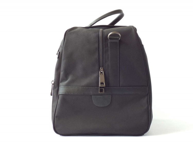 The Poros Birch Weekender Is The Perfect Travel Bag for This Holiday Season