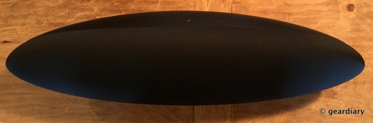 07-Gear Diary Reviews the Bowers and Wilkins Zeppelin Wireless-006