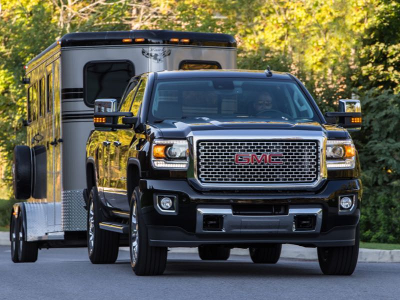 2016 GMC Sierra Denali 2500HD Pickup: Professional Grade Upgraded