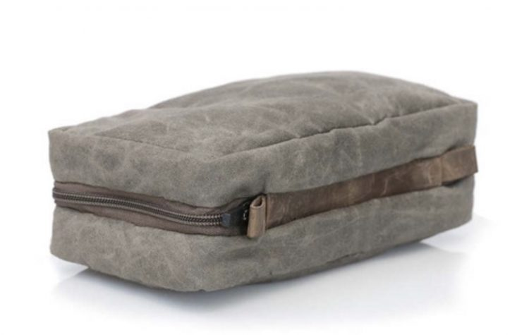 GearDiary The WaterField Designs Duo Dopp Kit Is a Great Father's Day (or Self's Day) Gift