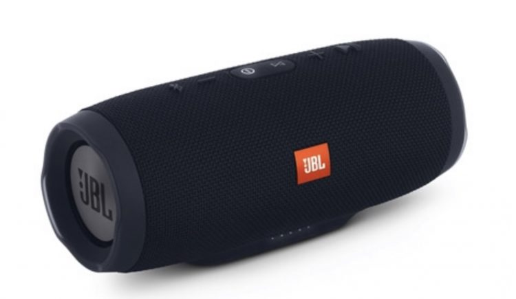 GearDiary JBL Charge 3 Offers Kick-Ass Waterproof Sound with Power to Go