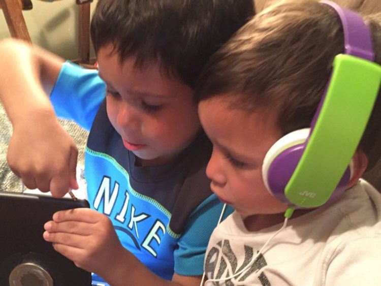 GearDiary JVC Tinyphones Provide Blissful Summer Travel with the Kids