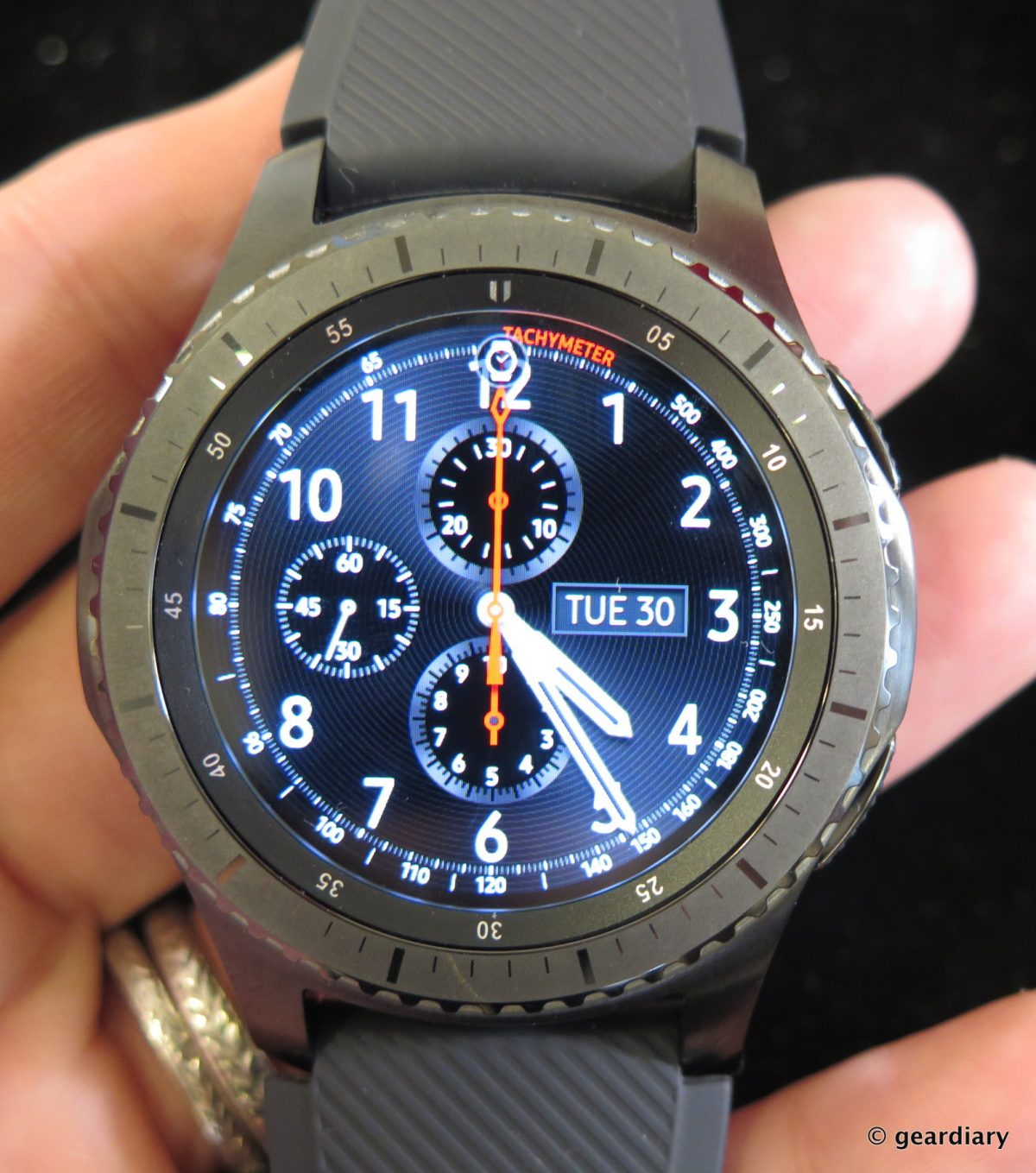 GearDiary Samsung Gear S3 Frontier and Classic: One of These May Be the Smart Watch You've Been Waiting For