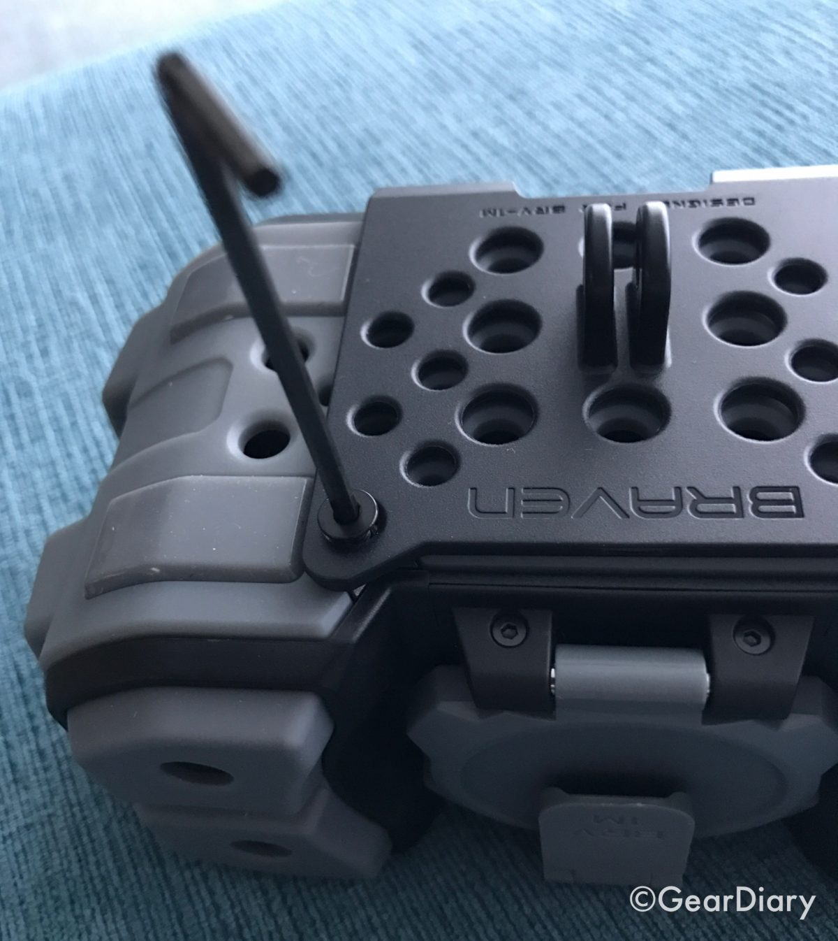 The BRAVEN BRV-1M Is a Mid-Size Bluetooth Speaker Ready to