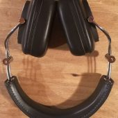 Bowers & Wilkins P7 Wireless Headphones: Swanky and Yet So Practical