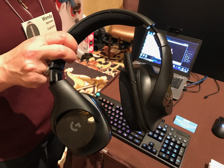GearDiary Logitech's New Wireless Gaming Set Might Make Online Game Play That Much Better