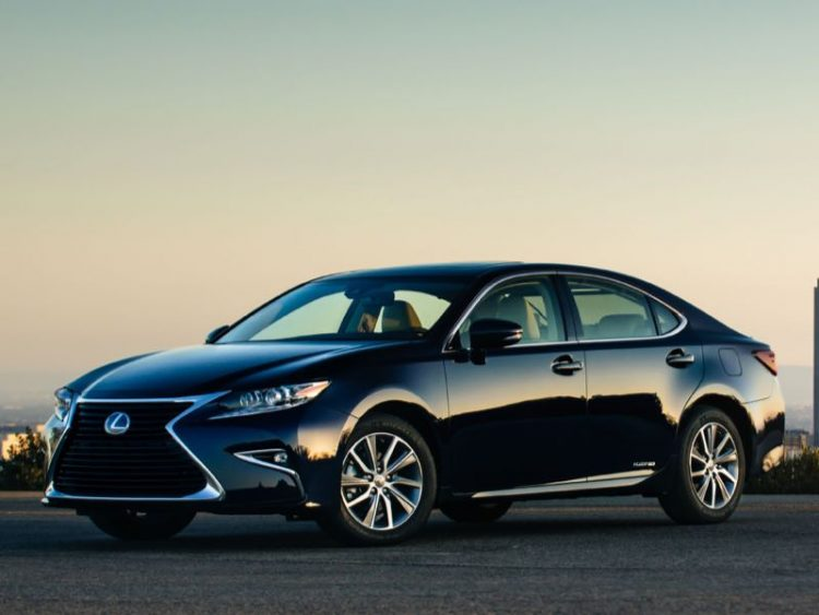 2017 lexus es 300h offers luxury ride with hybrid drive. Black Bedroom Furniture Sets. Home Design Ideas