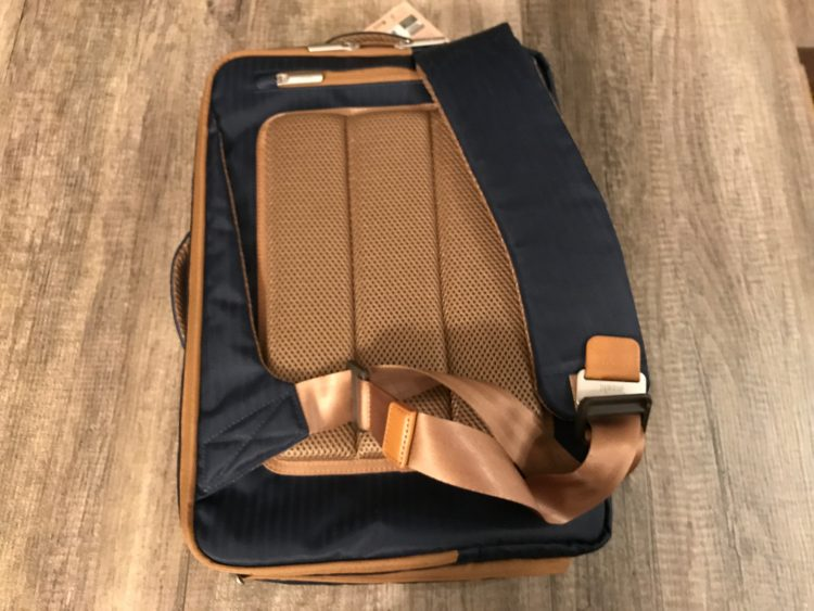 GearDiary Moshi Venturo Backpack Is an All-In-One Bag for Everyone