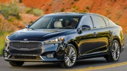 GearDiary 2017 Kia Cadenza is Big on What Matters Most in a Sedan