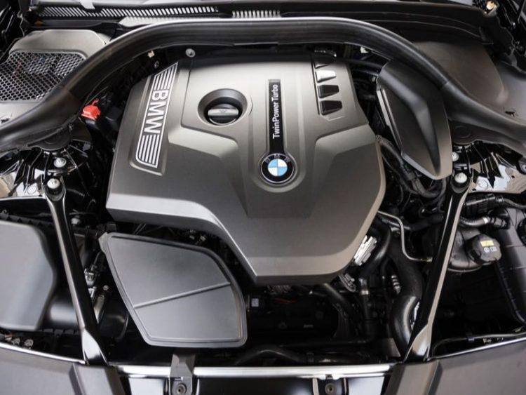 GearDiary 2017 BMW 530i Luxury Sport Sedan Packs in the Wow Factor