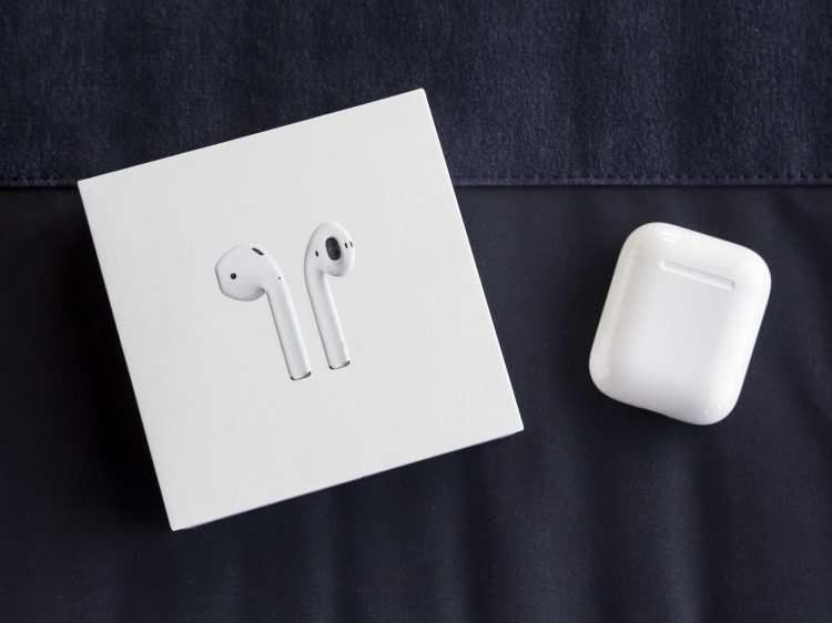 Apple AirPods Review: Paired with Android