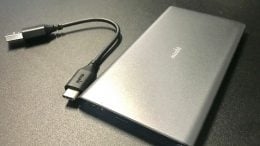 GearDiary Moshi IonSlim 5k Battery Pack Review: No More Battery Low Alerts