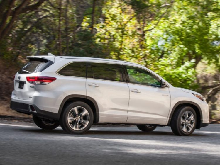 GearDiary 2017 Toyota Highlander Hybrid Is Toyota's Best Family Utility Vehicle Yet