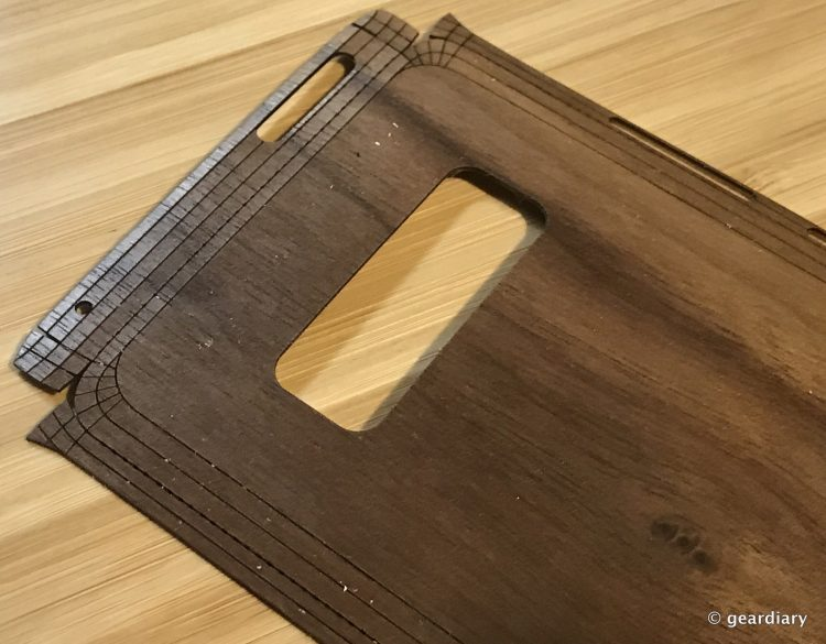 GearDiary 14-Toast Wood Veneer Skin for the Samsung Galaxy Note8 Review-013