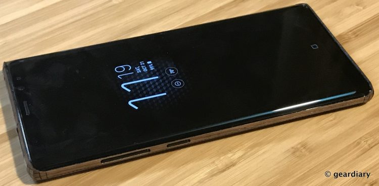 GearDiary 35-Toast Wood Veneer Skin for the Samsung Galaxy Note8 Review-034
