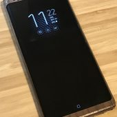 GearDiary Cover Your Samsung Galaxy Note8 with a Toast Wood Veneer Skin