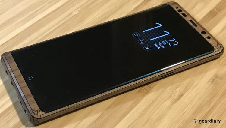 GearDiary 42-Toast Wood Veneer Skin for the Samsung Galaxy Note8 Review-041