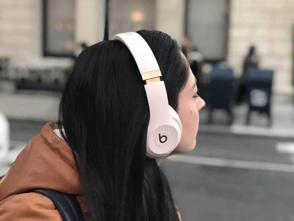 Beats Studio3 Wireless Headphones Review Iphone Users Should Get These