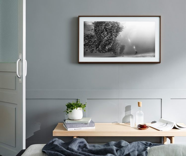 "GearDiary The Frame, Samsung's Nearly Invisible TV, Is Now Available in a 43"" Model"
