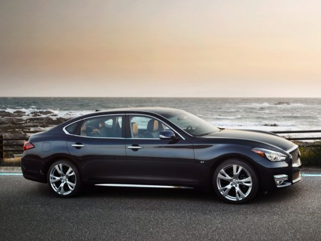 GearDiary 2018 Infiniti Q70L is a Long-Legged Midsize Luxury Star