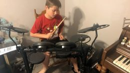 GearDiary The Yamaha DTX400K Electronic Drum Set Really Rocks!