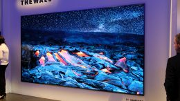 GearDiary Samsung's 146-inch 'The Wall' MicroLED TV Can Literally Grow with You
