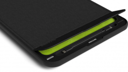 GearDiary Incase IconConnected Power Sleeve for MacBook Pro: Protection and Charging