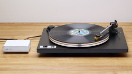 GearDiary Affordable and Audiophile Approved: The Orbit Turntable from U-Turn Audio