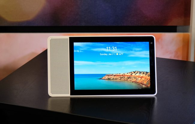 Lenovo's Smart Display Is What the Echo Show Should Have Been!