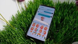 GearDiary Samsung Galaxy S9 Takes on Apple's Animojis and Improves on Low-Light Photos (Hands-on)