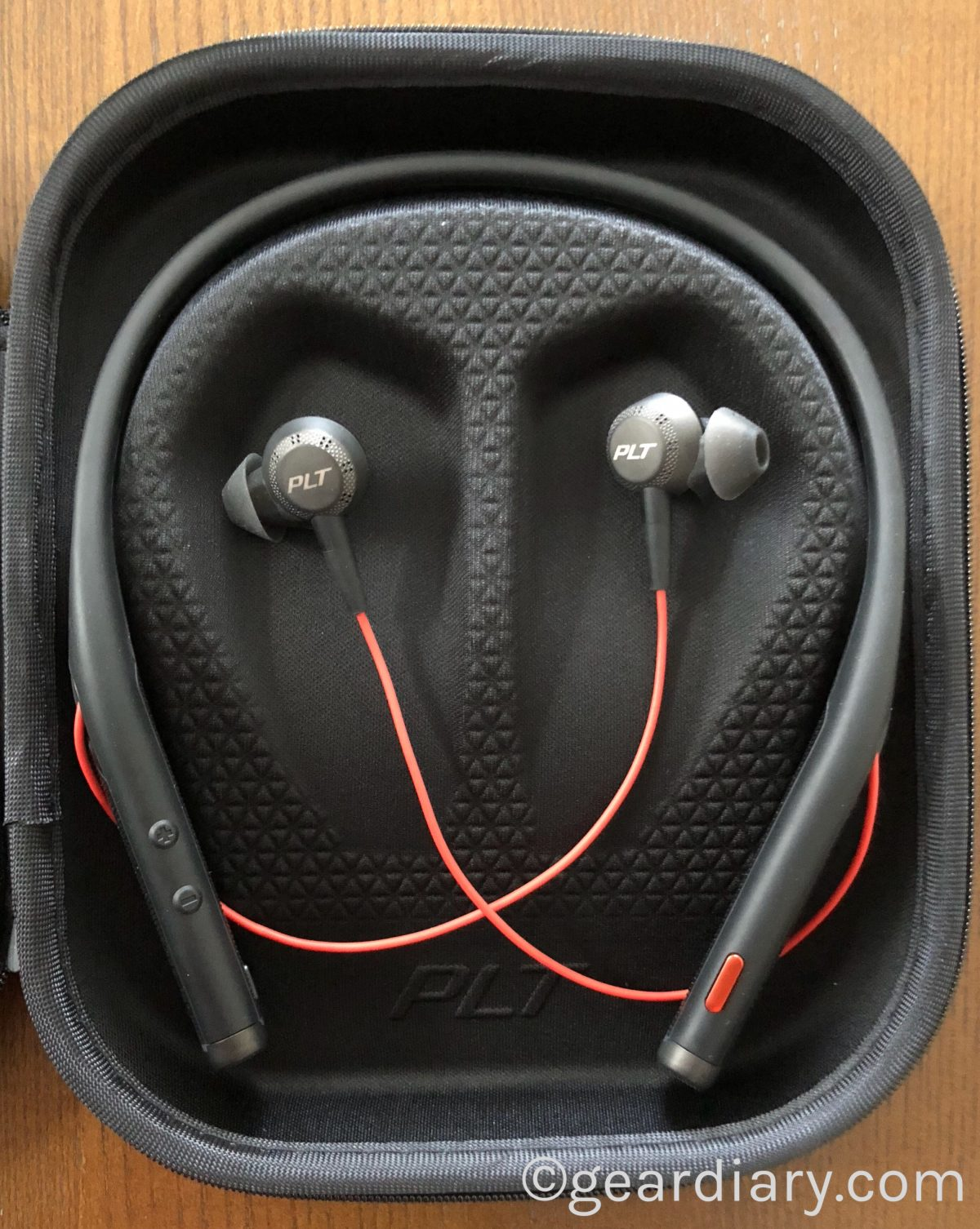 7ce2b9f2d06 The Plantronics Voyager 6200 UC Neckband Headset Means Business
