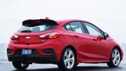2018 Chevrolet Cruze Hatch Diesel Debuts