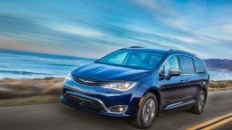 GearDiary 2018 Chrysler Pacifica Hybrid Minivan Is the Perfect Family Vehicle