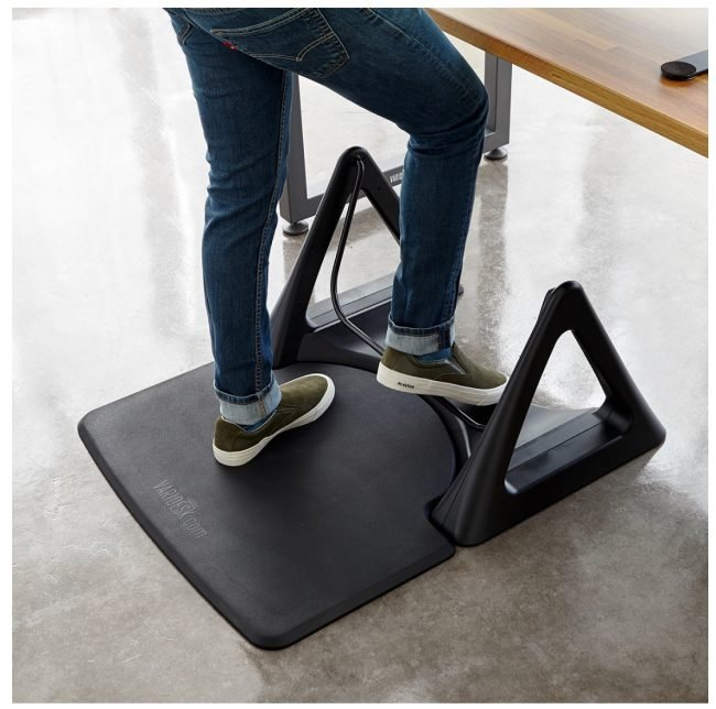 GearDiary VariDesk ActiveMat Rocker Is an Interesting Addition to Your Standing Desk