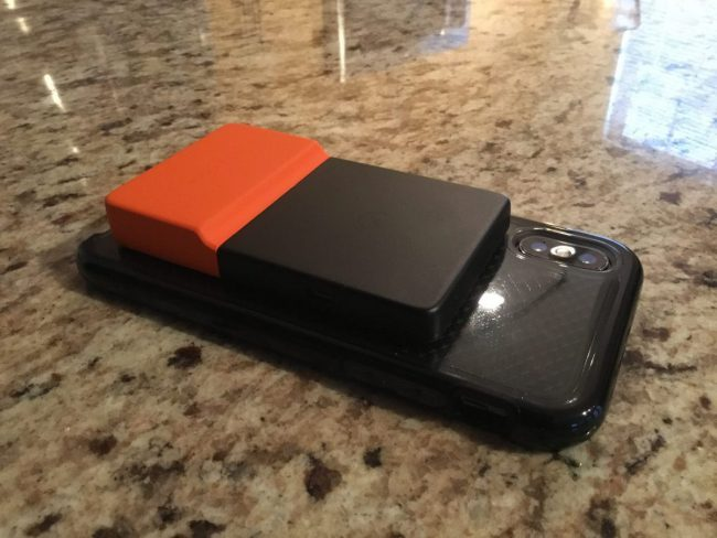 GearDiary The BRICKSPOWER Gives Your Smartphone Juice Wirelessly