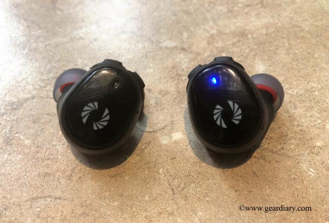 GearDiary Phiaton Releases The BOLT BT 700 Wireless Earphones