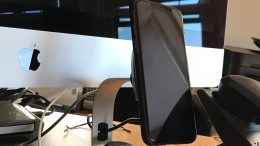 The Desk Version of the Scosche MagicMount Pro Charge Is the Wireless Charger You Need to Have