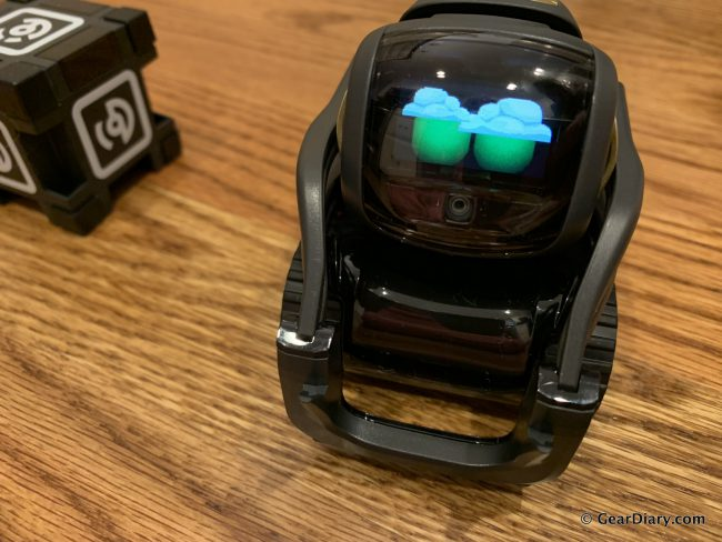 GearDiary Anki Vector is the Expressive Pet Robot Who Is Here to Help