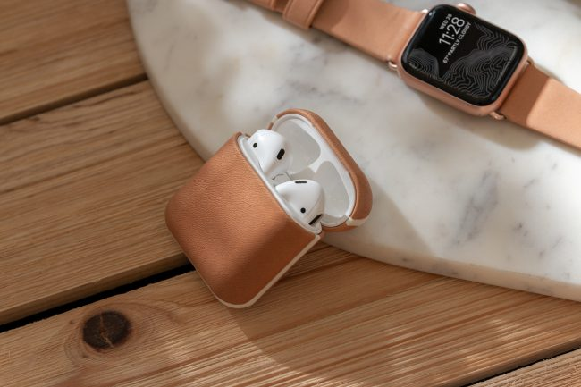 GearDiary Nomad's New Natural Leather Accessories for Your Apple Devices Are Gorgeous