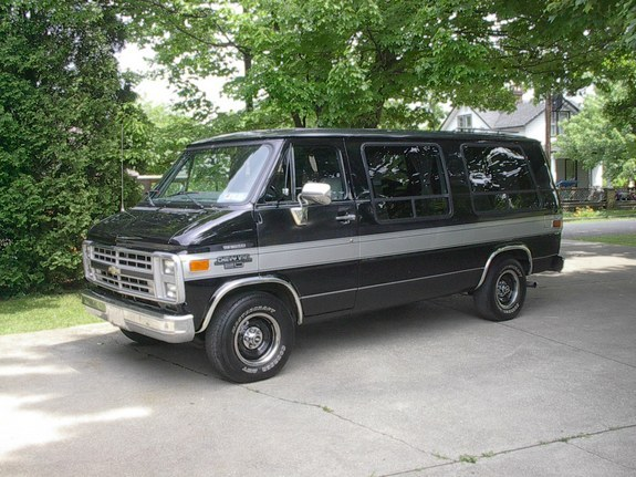 Ode to the Conversion Van: A Family Classic for Times Gone By