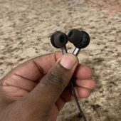 GearDiary 1More's Wireless Bluetooth Headphones Are Stylishly Designed & Sound Incredible