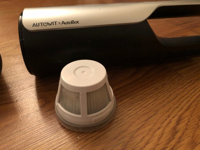 GearDiary Autowit MiniCyclone Sucks up All the Mystery Crumbs in Your Car or Home!